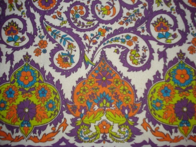 1 2/3 yd Groovy 1960s Purple Paisley Flannel Border Print Fabric