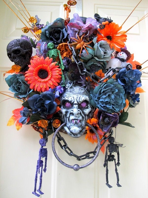 HALLOWEEN  WREATH ENTER IF YOU DARE SKULLS GHOSTS