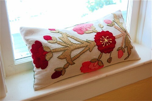 Le Jardin Pillow -- Buckwheat Hulls and Lavender Fill -- Martine