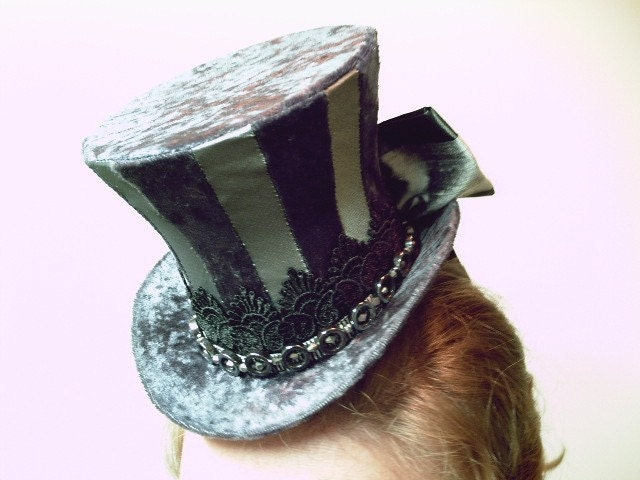 Tall mini top hat crystal/glass with beaded band in silver/gray