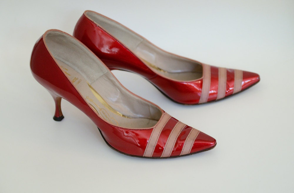 1950's, Beautiful Candy Apple Red Patent Heels - littleblacksoul
