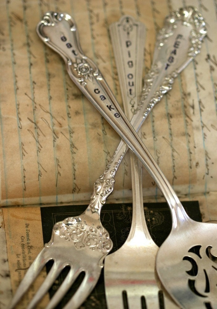 Personalized Wedding Cake Serving Fork or Cake Topper