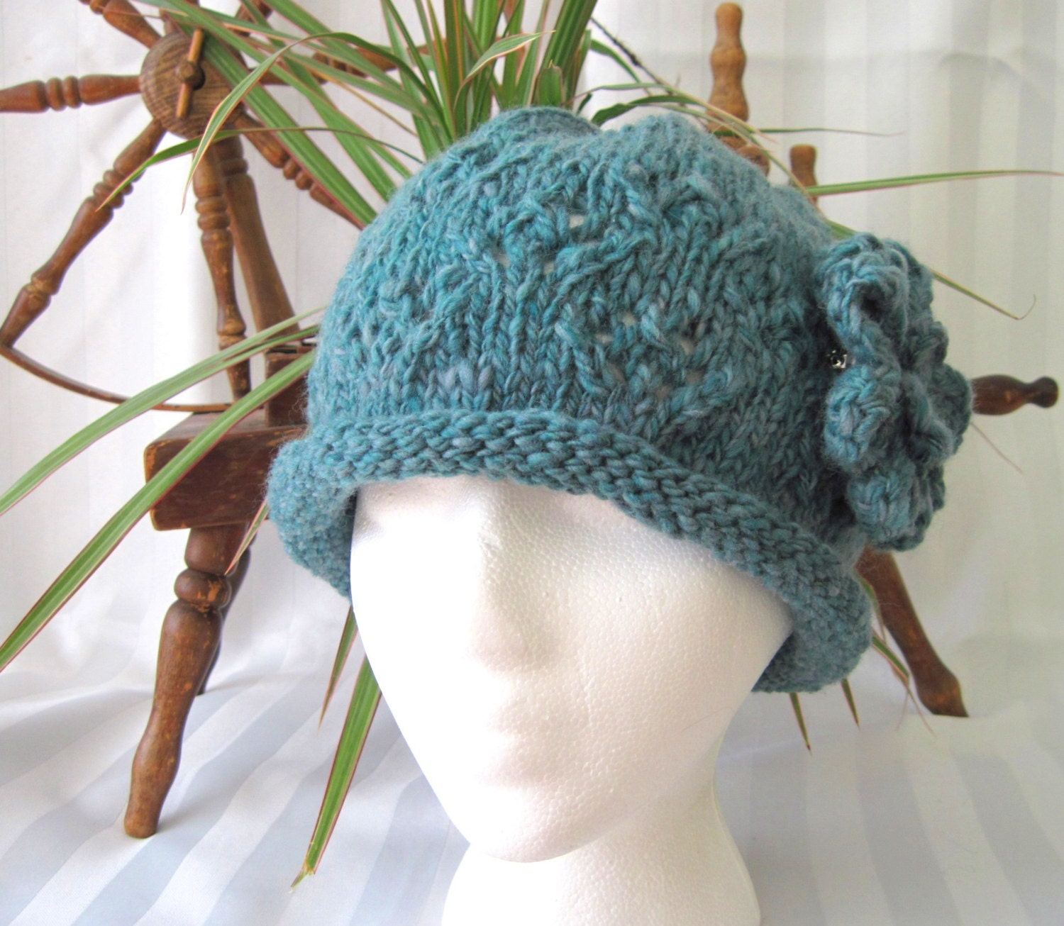 Handspun Diamond Lace Rolled Brim Hat with Crocheted Flower Pin. Handspun Wool Yarn. Heathered Dark Aqua. Greeny-Turquoise. - JoyfulHandKnits