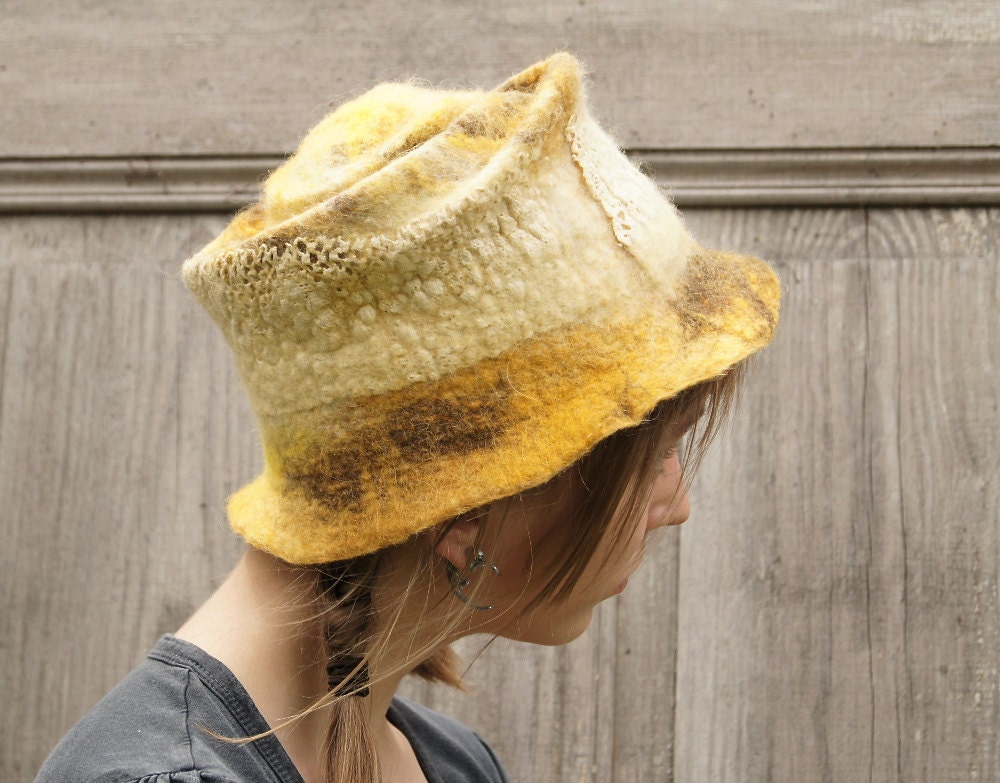 Yellow hat decorated with cotton lace. OOAK - filcAlki