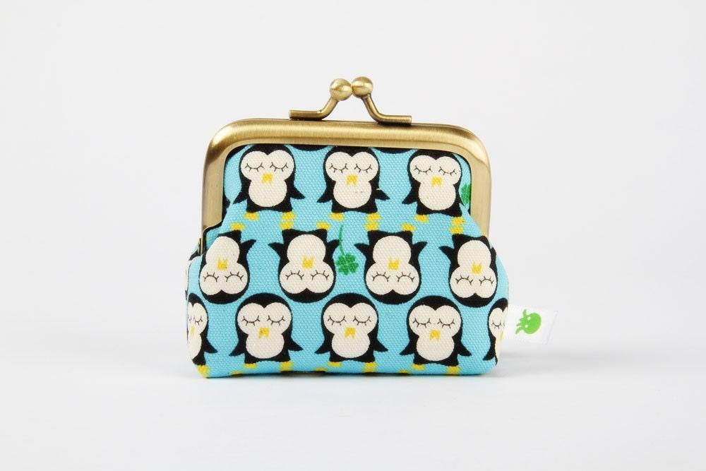 Deep mum - Kawaii penguins on blue - metal frame purse