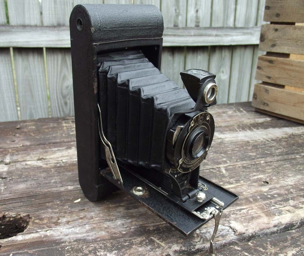 Kodak No 2A Folding Hawkeye Film Camera
