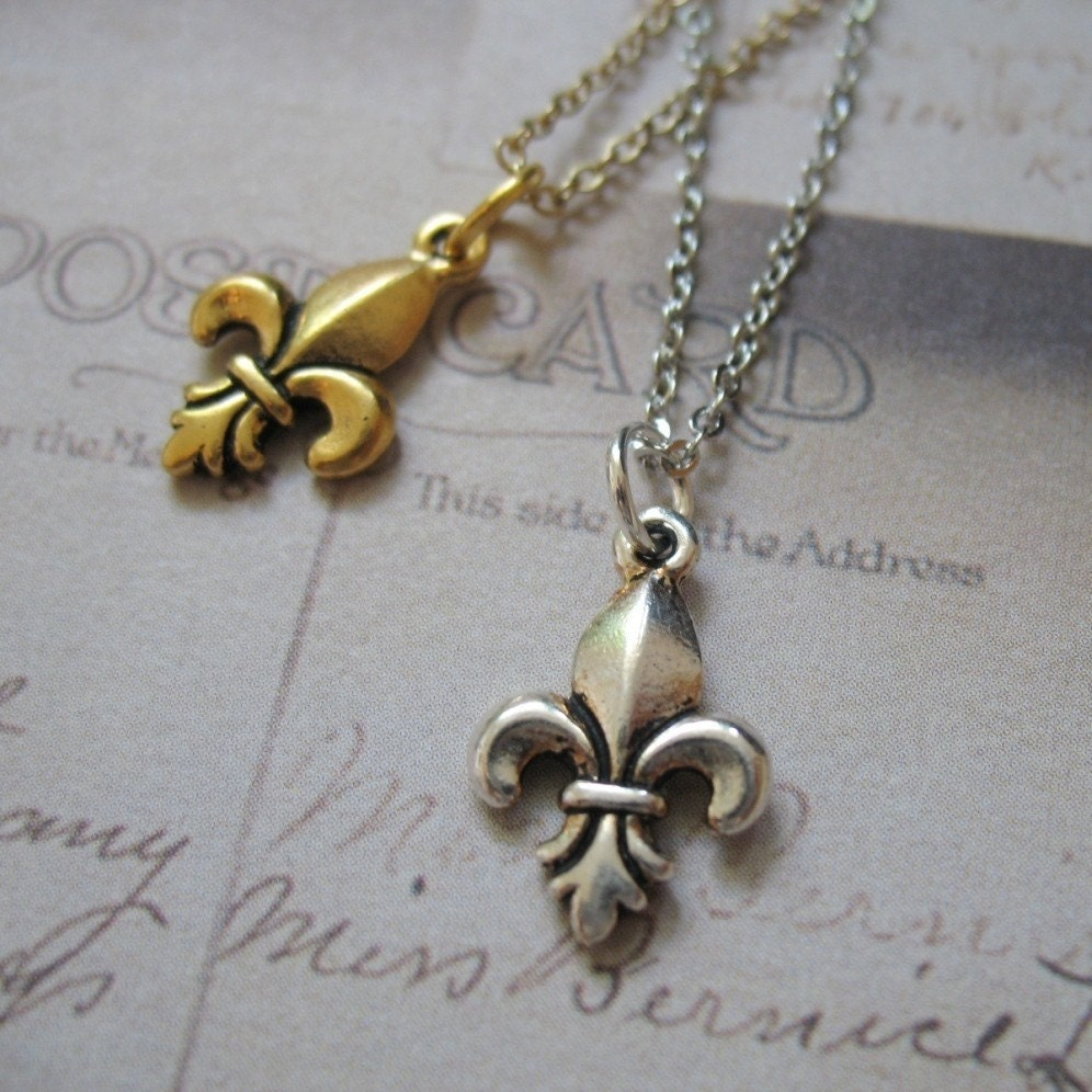 Fleur-de-Lis Charm Necklace in Silver or Gold tone