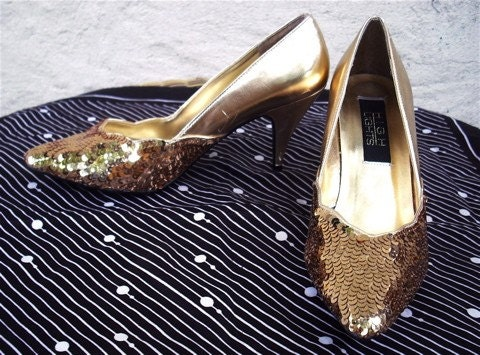 Vintage 80s Gold Sequin Heels 7 by ramblinvintage on Etsy