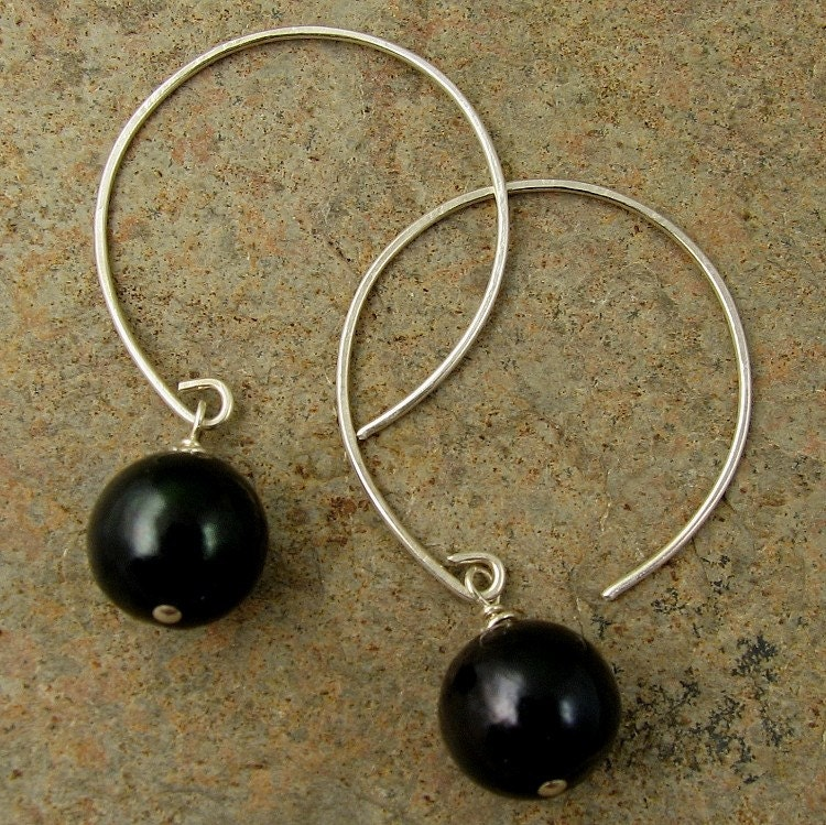 mystic... black pearls, hand formed sterling silver open hoops earrings