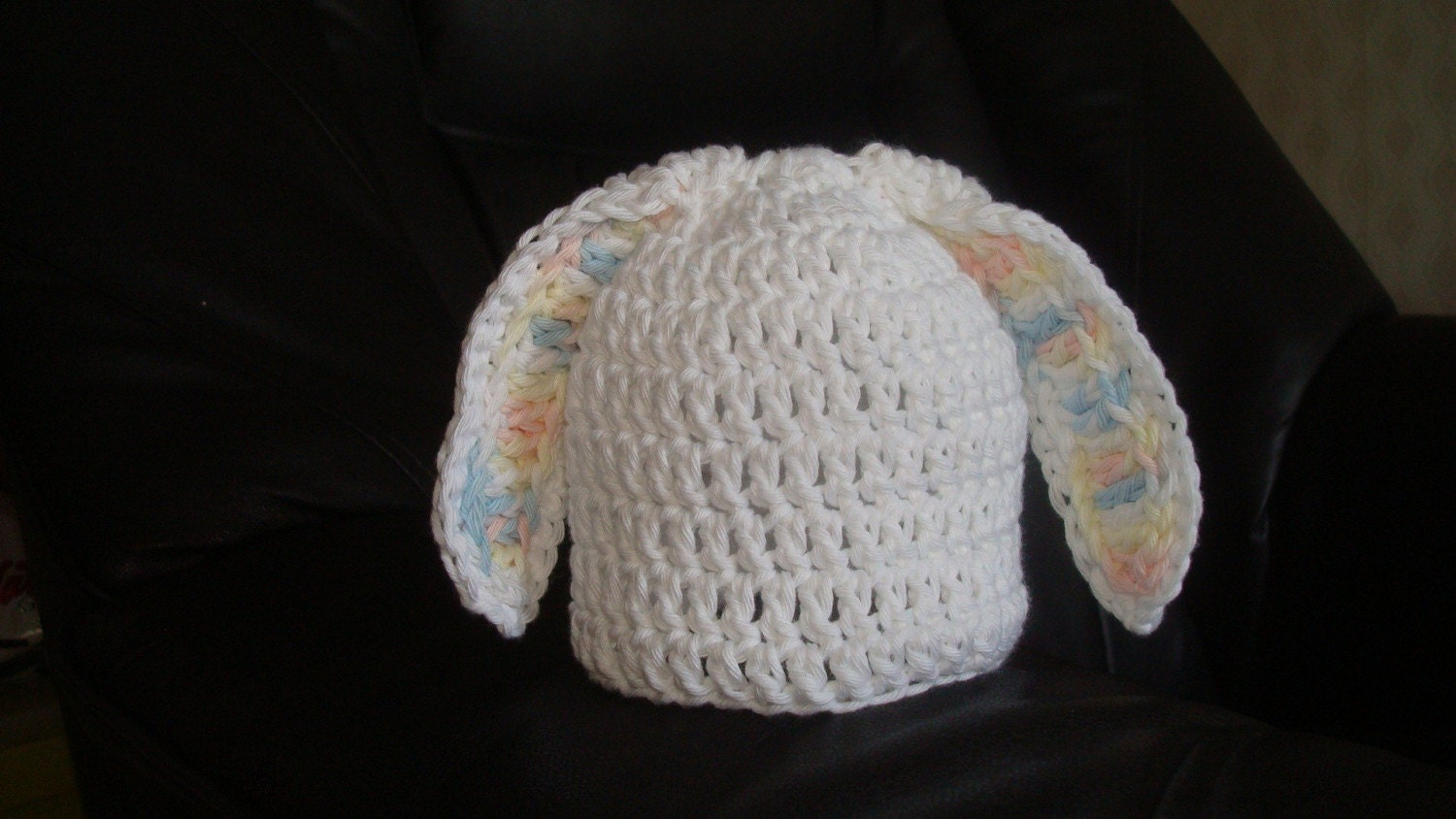 Snow-white cotton Bunny hat with funny ears. Sizes 0-12 month. Perfect for a gift or for a photo prop. Item 064