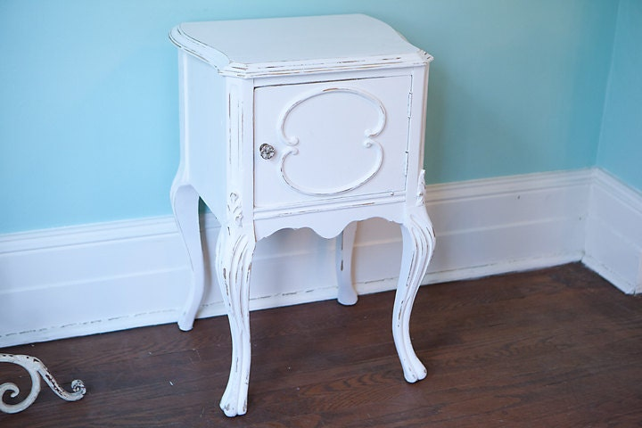 shabby chic nightstand table white by vintagechicfurniture. Black Bedroom Furniture Sets. Home Design Ideas