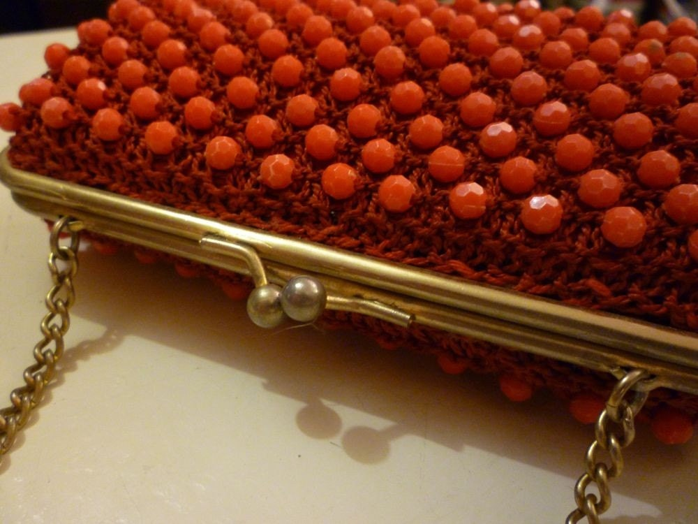 Vintage 1950s 1960s red beaded bag purse