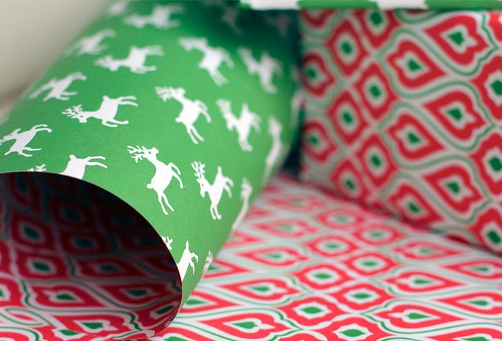 Gift Wrap/Wrapping Paper - Merry. 100 percent post consumer recycled paper. 4 sheets. 9G1