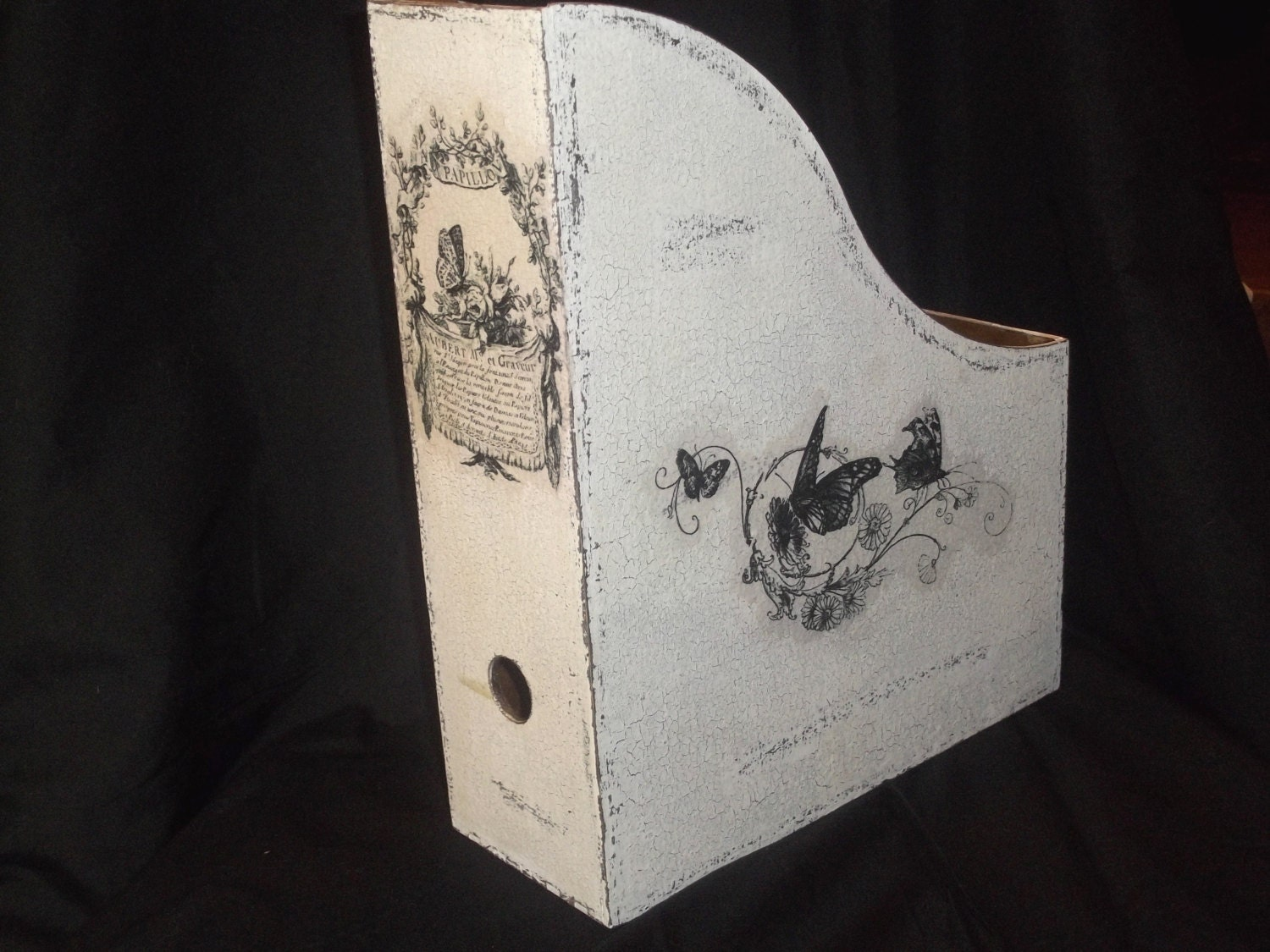 shabby chic magazine holder by boutiqueclaire on etsy. Black Bedroom Furniture Sets. Home Design Ideas