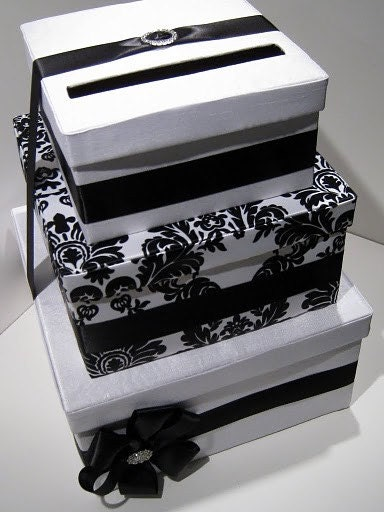 Head over to the Etsy Wedding Team to enter this cute wedding card box