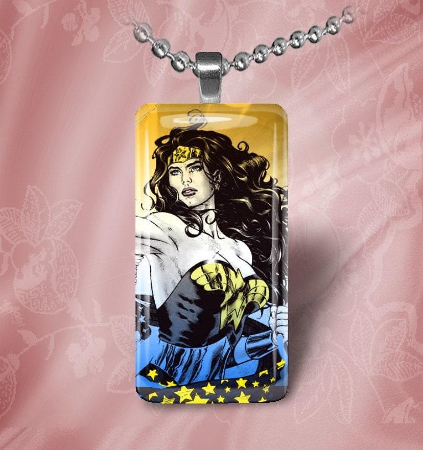 Wonder Woman (WWD6) - glass tile pendant