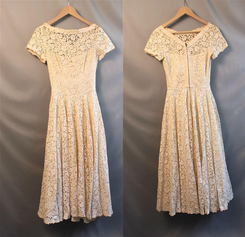 1950s Cream Lace Wedding Prom Dress // Tea By ContentlyKellisa