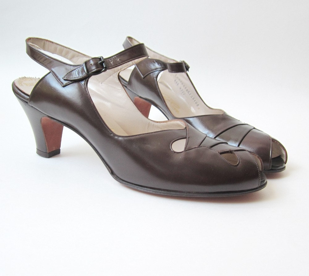 brown patent leather mary janes from the 1940's