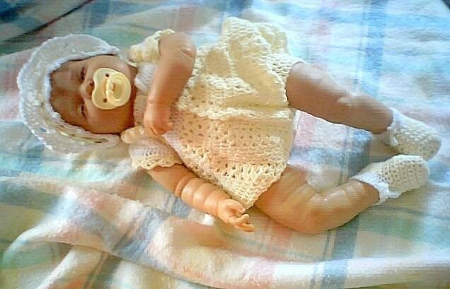 kız ve erkek bebelere elişi elbise modeli