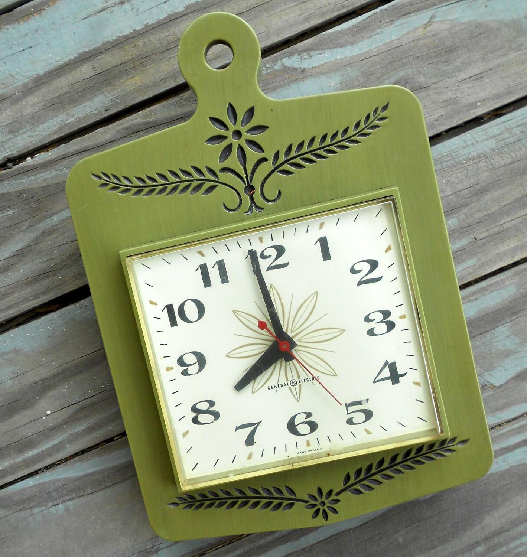 Daisy Kitchen Decor: Vintage Green Kitchen Clock 1970s Crazy Daisy Retro By