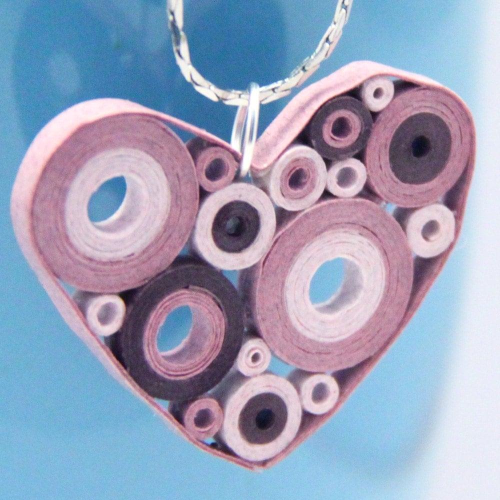 Nhật Bản viện trợ cứu trợ Retro hồng Circles tim Mặt dây chuyền - Giấy Quilled