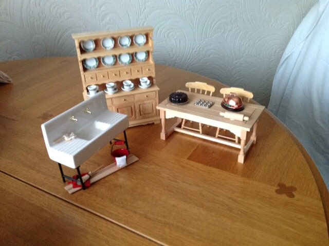 Miniature Vintage style kitchen sink dresser table and  2 chairs in 112 scale