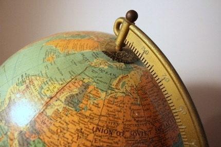 Vintage 1940s Globe