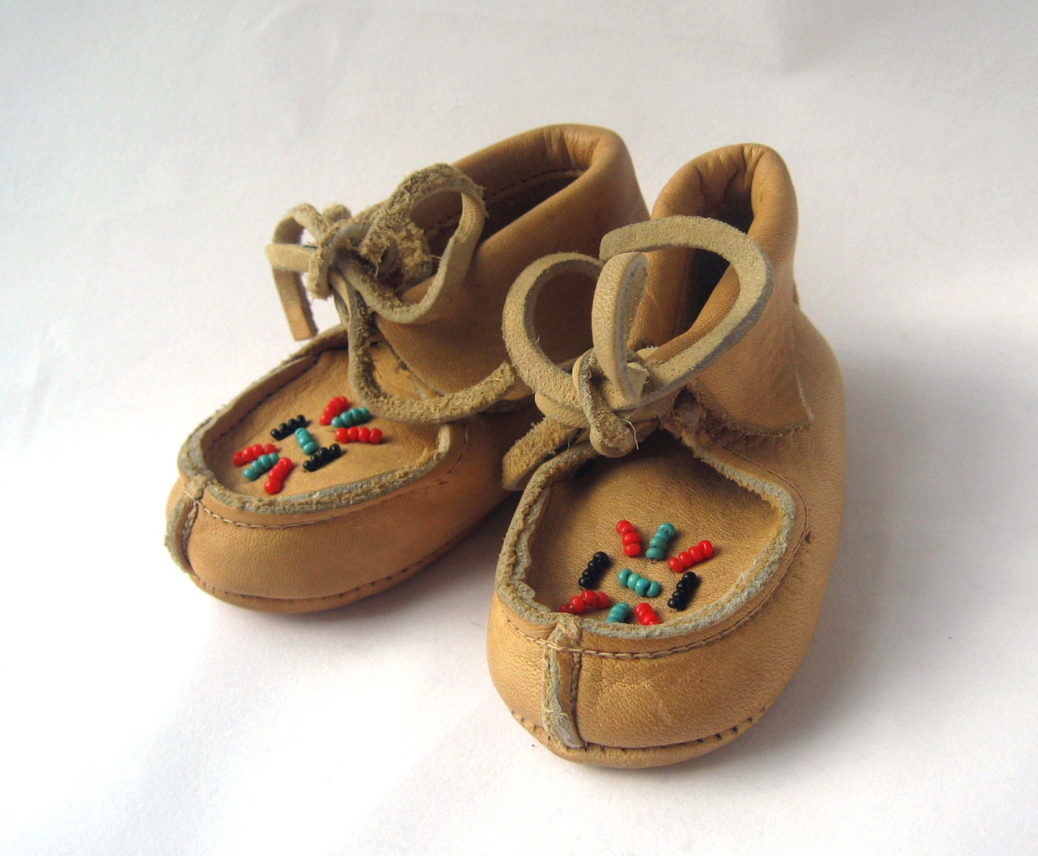 vintage soft leather beaded baby moccasins by vintagebitstoo