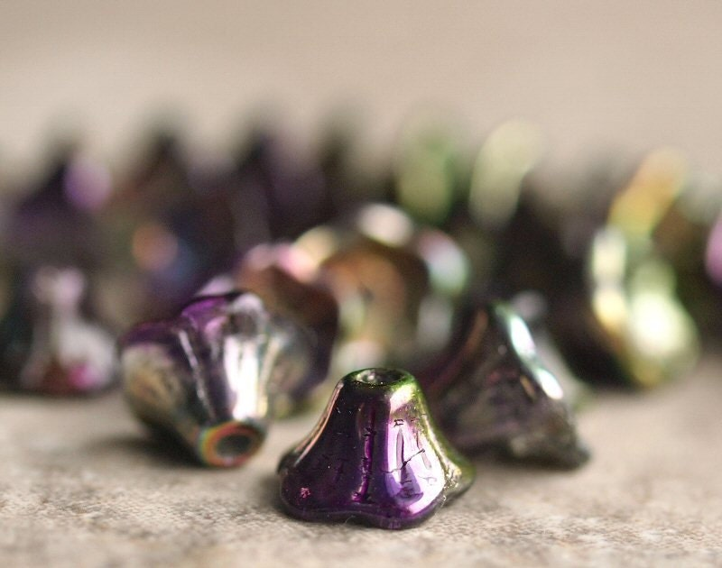 Orchid Iris Czech Glass Flower Blossom 7x5mm : 25 pc - BobbiThisnThat