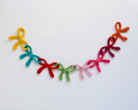 NEW PDF Crochet Pattern PHOTOTUTORIAL - Garland of Colorful Bows (Quick and Easy) -  Permission to Sell Finished Items