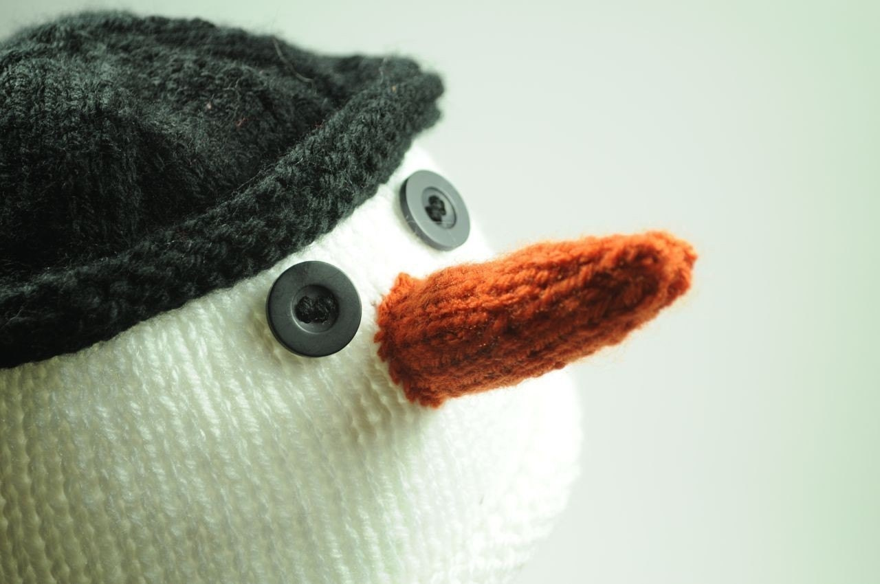 Knitted Snowman Hat (0-3 Months)