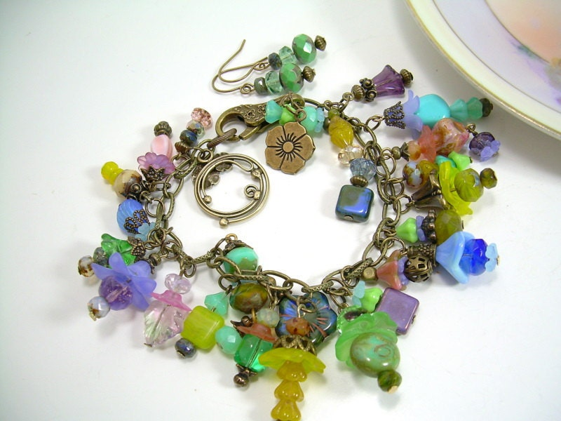 Flower Drop - Picasso and Antiqued Brass Charm Bracelet