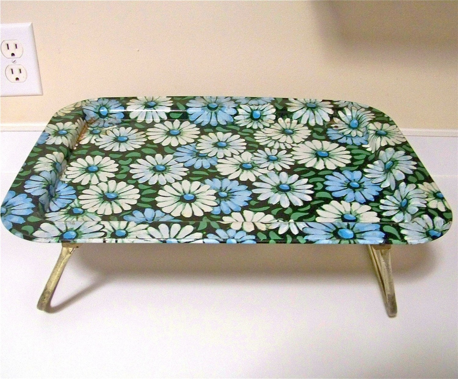 Vintage Metal Flower TV Trays