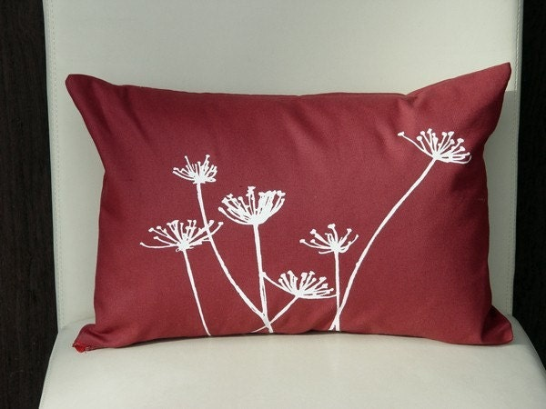 QUEEN ANNES LACE cream print cherry pillow
