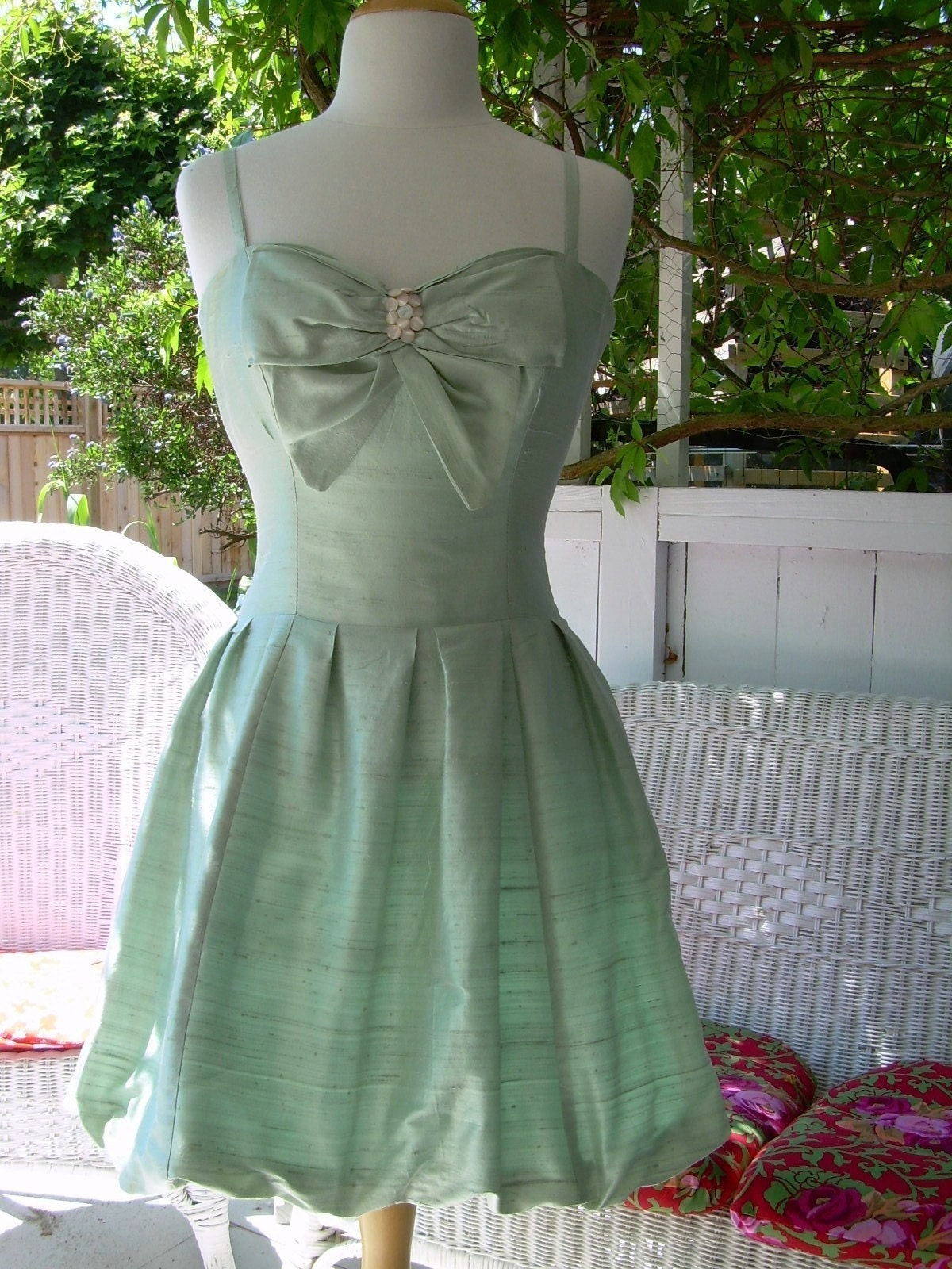 BRALESS SILK BOW PARTY DRESS CUSTOM SIZE AND COLOURS by janebonbon