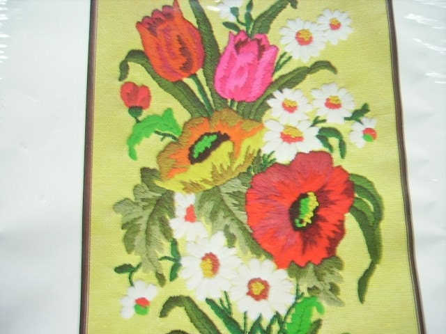 Vintage Floral Bouquet Crewel Embroidery Kit