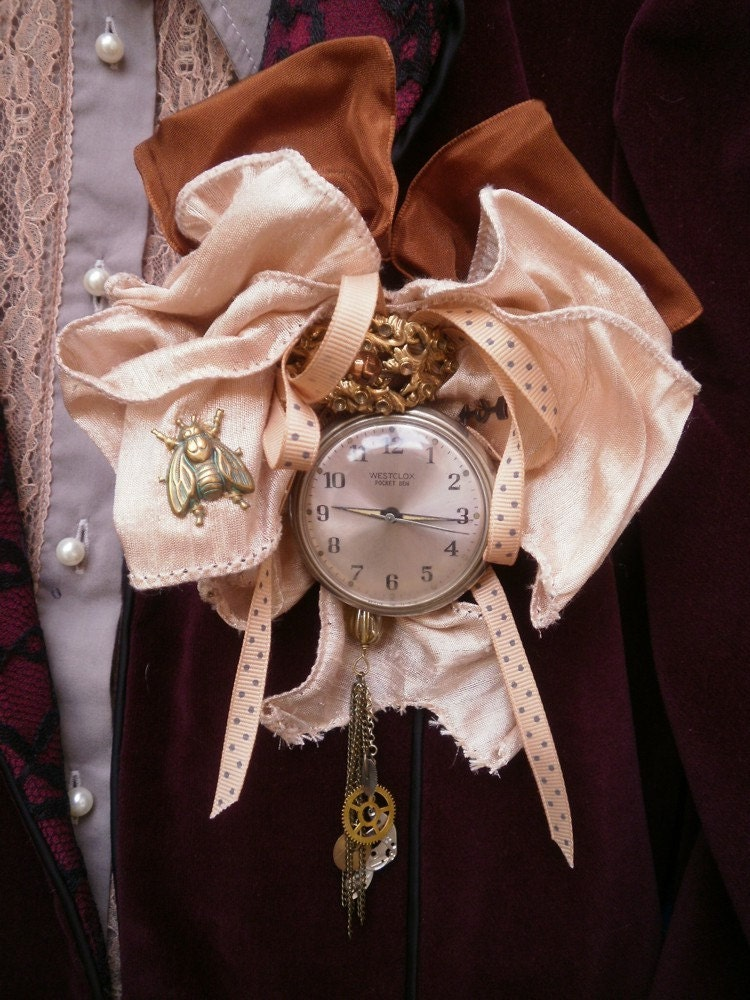 Steampunk Time Traveler's Brooch with Old Pocket Watch