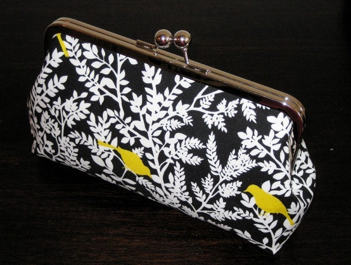 SALE-XL Frame - Timeless Treasures Yellow Birds in Black Clutch