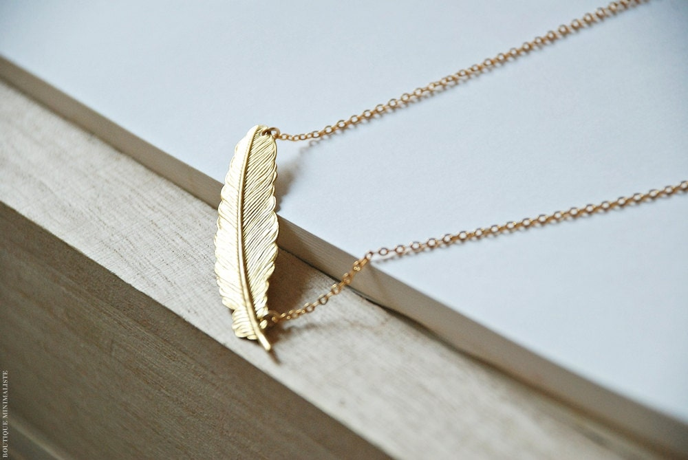 Gold feather Necklace - BoutiqueMinimaliste