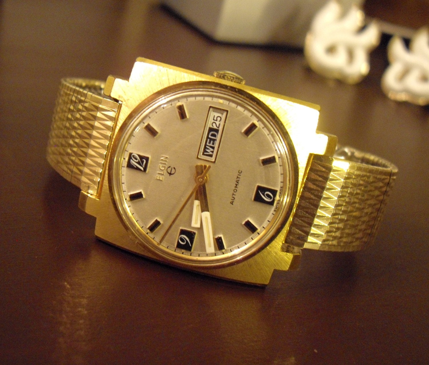 Reserved for BearTrap44--Vintage Mens Elgin Swiss Made 17 Jewel Automatic Watch with Kreisler Band