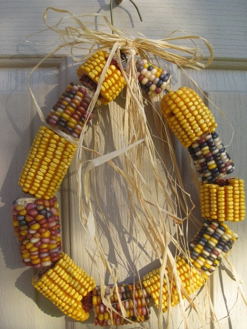 Backyard Squirrel Corn Wreath, 10 inch (no 1093A)