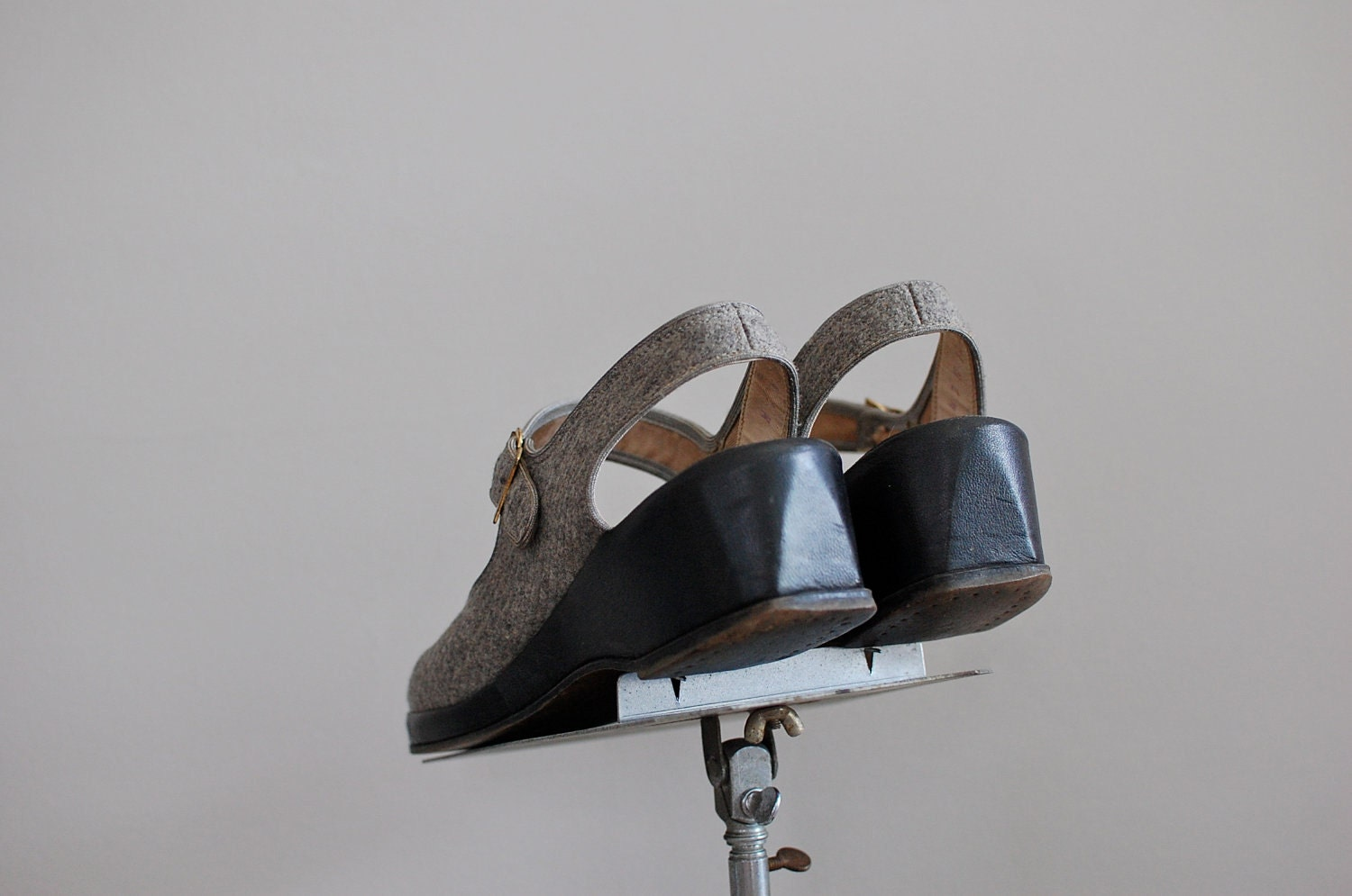vintage 1940s heathered gray wool peeptoe mary jane shoes with thick black