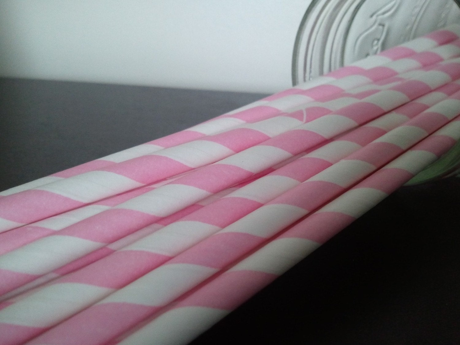 25 Pink Striped Paper Straws