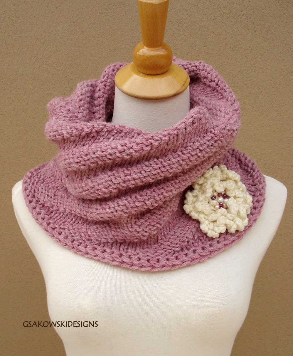 Cecily Chunky Cowl-Rose