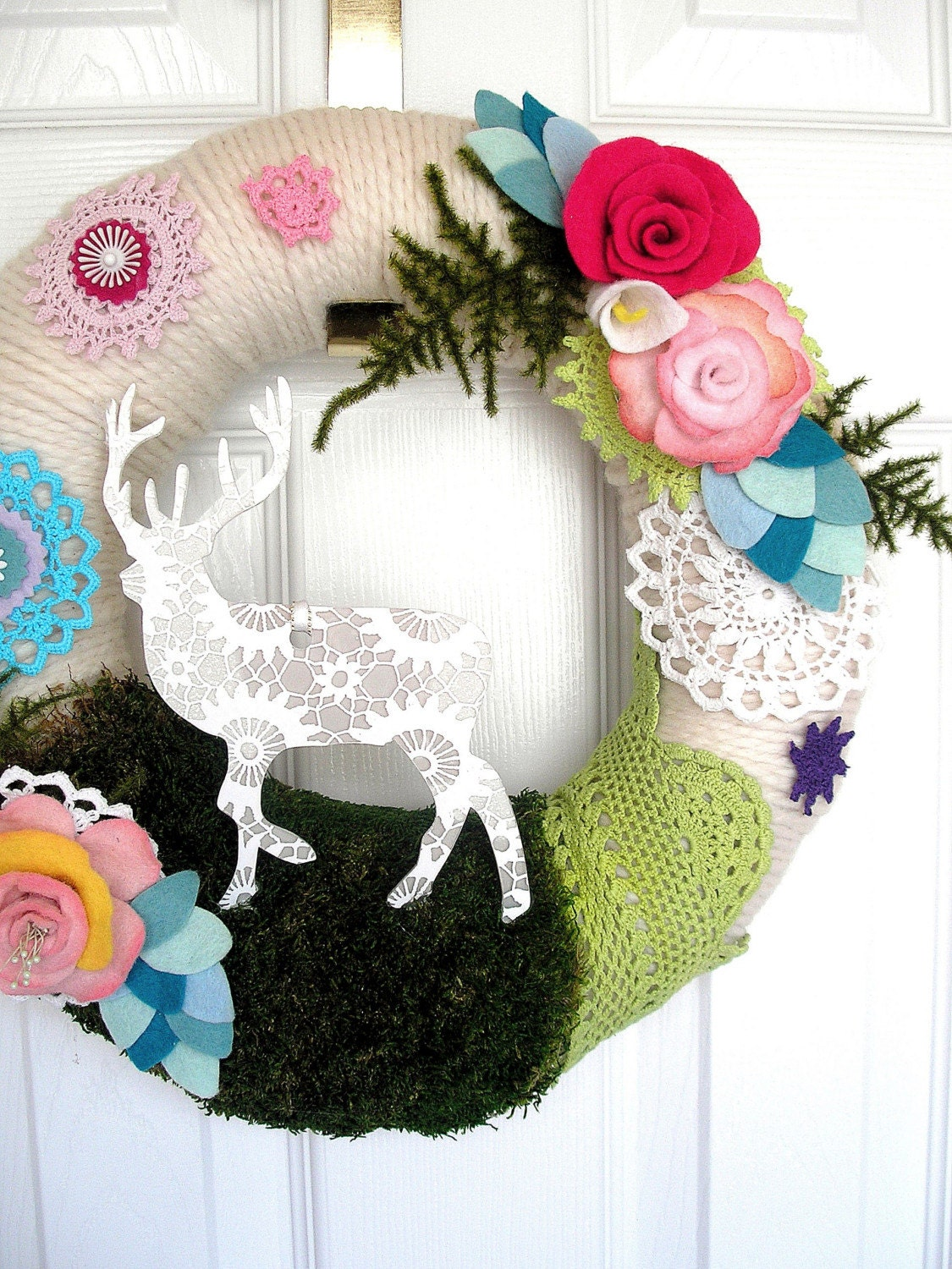 Chalet - Handmade Yarn Wreath
