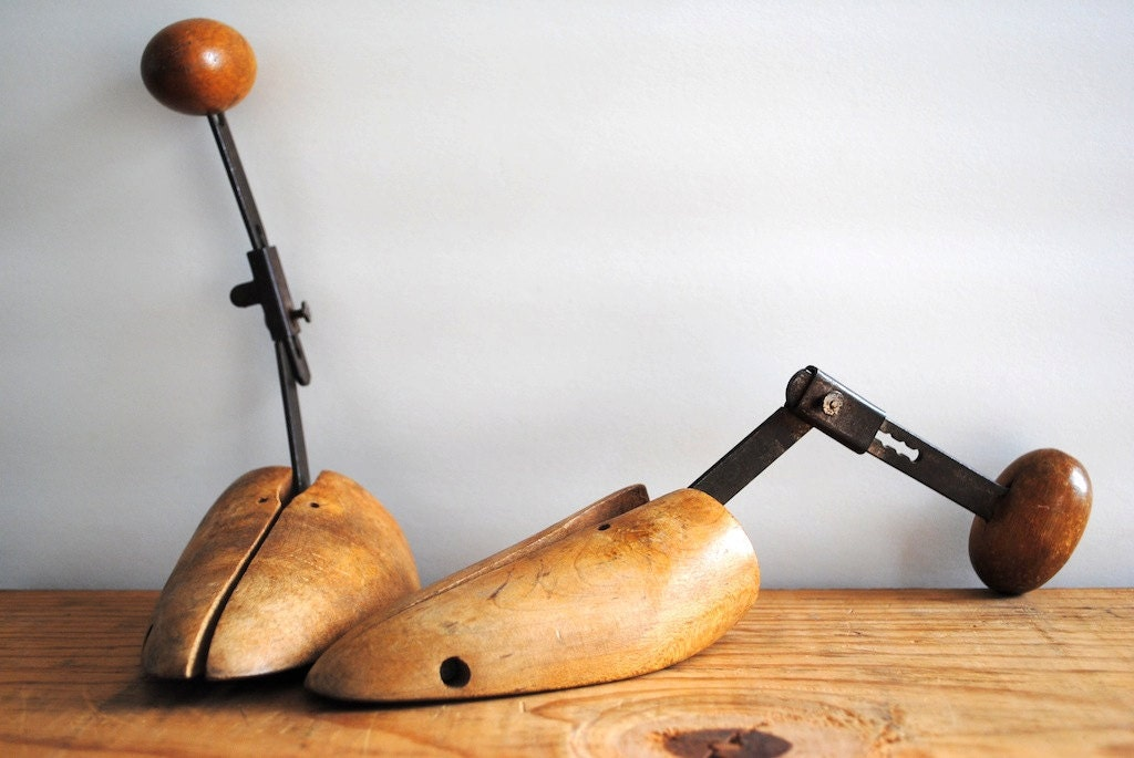 Pair of Vintage Wood Shoe Forms - Two Wooden Shoe Stretchers - labiblioteca