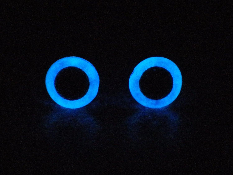 Items similar to 6mm Metallic Blue Glow In The Dark Eyes ...