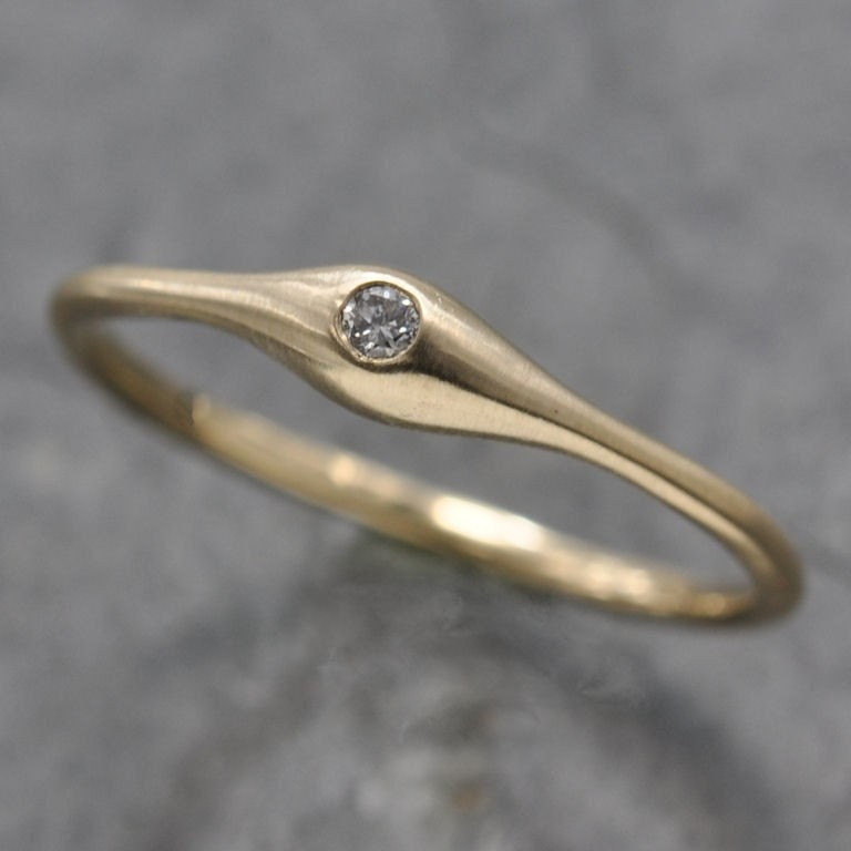 Wave ring - 14k solid gold with diamond - stacking