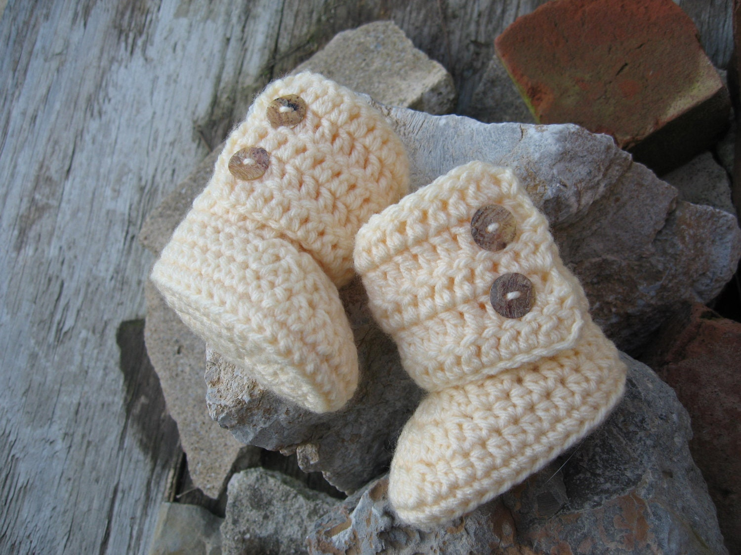 Crochet Uggs : Handmade Crochet Baby Booties Creme Uggs Free by JennsMinis