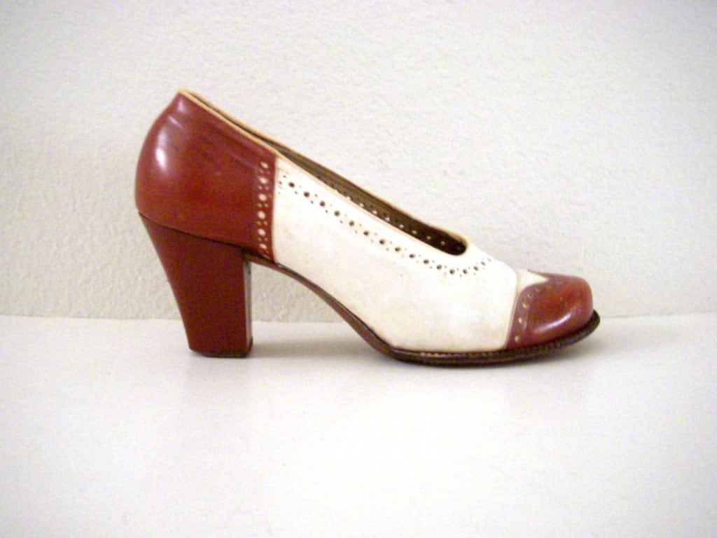 vintage 40s brown and white spectator pumps wing by